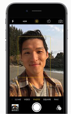 Přední iSight kamera nového iphone 6S má 5 Mpx a speciální Retina Flash.