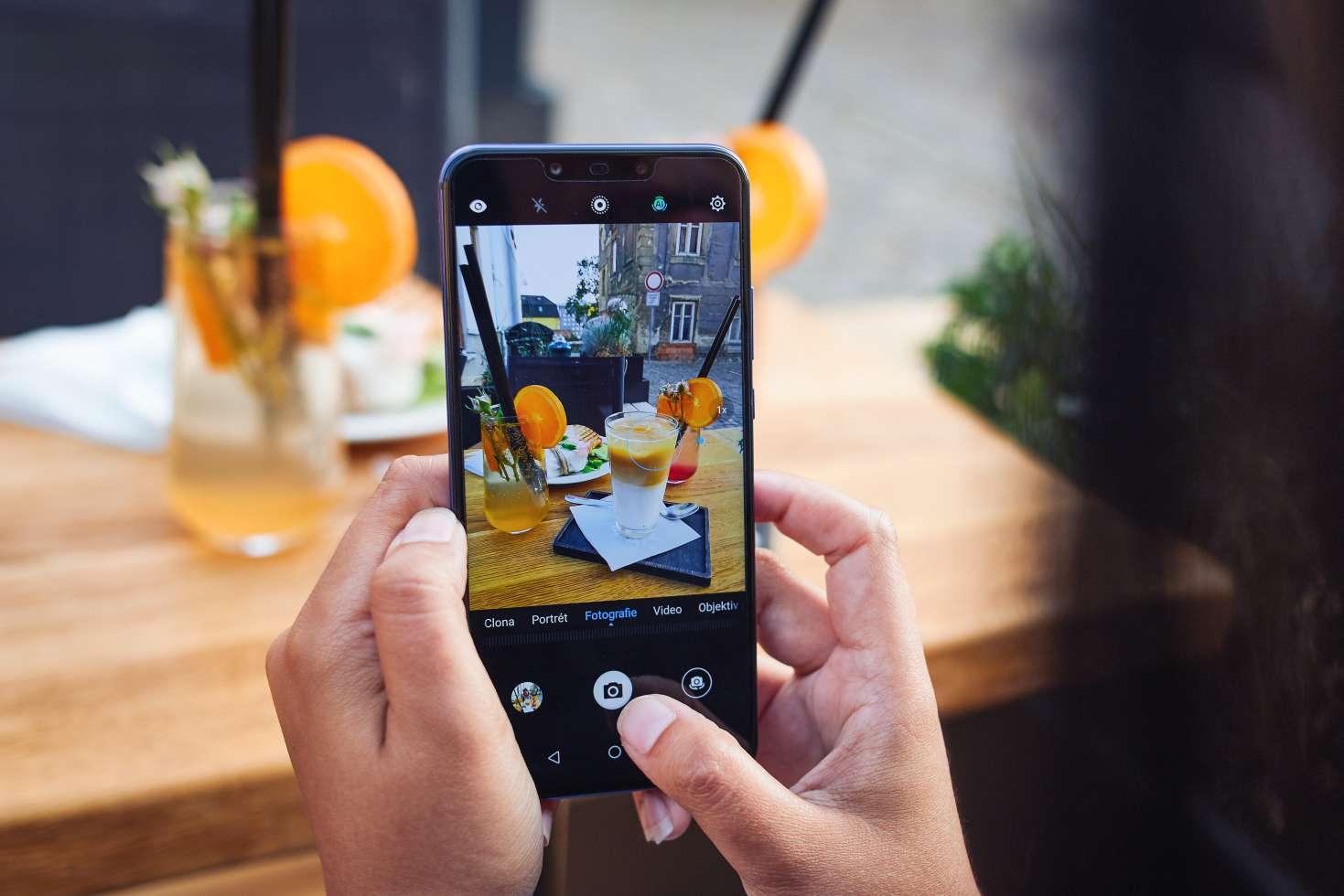 Huawei Nova 3 z vás udělá profi fotografa