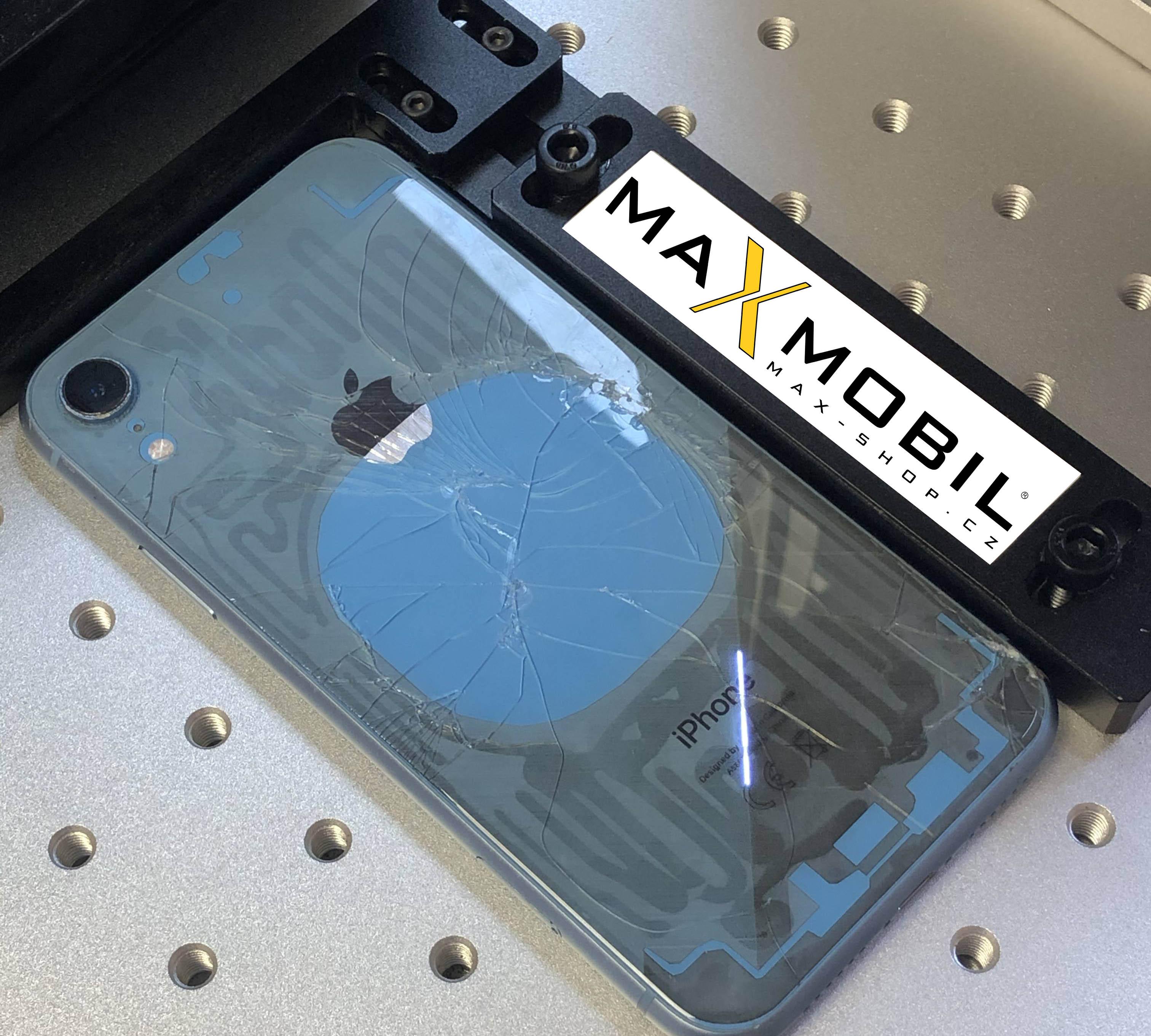 Demontáž zadního skla na zařízení Apple iPhone Xr