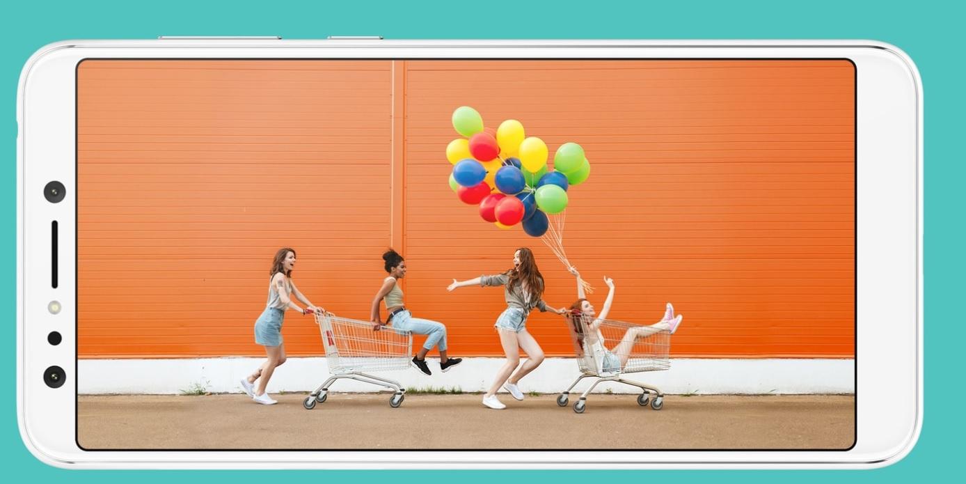 Nikdy se vám nestane, že by se někdo nevešel do obrazu, Zenfone 5 Lite umí snímat ultra široké snímky