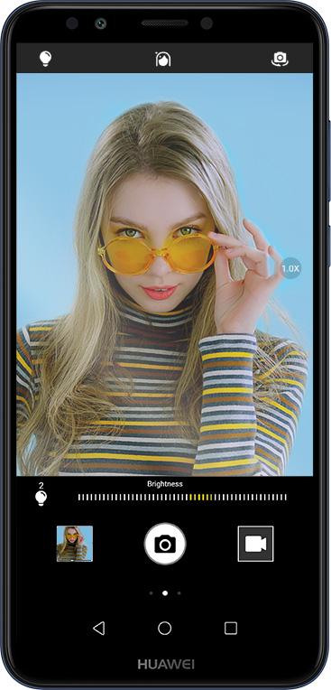 Vaše selfie nikdy nevypadaly lépe, než s Huawei Y7 Prime 2018