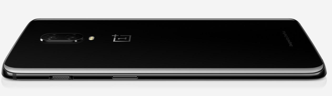 Dílenské zpracování smartphonu OnePlus 6T odpovídá mnohem dražší konkurenci, ovšem za zlomek jejich ceny