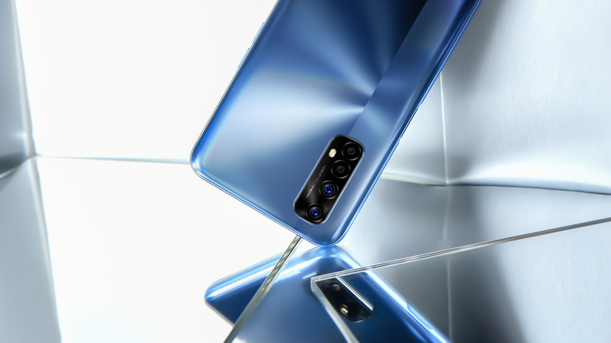 Jedinečný design mobilního telefonu Realme 7