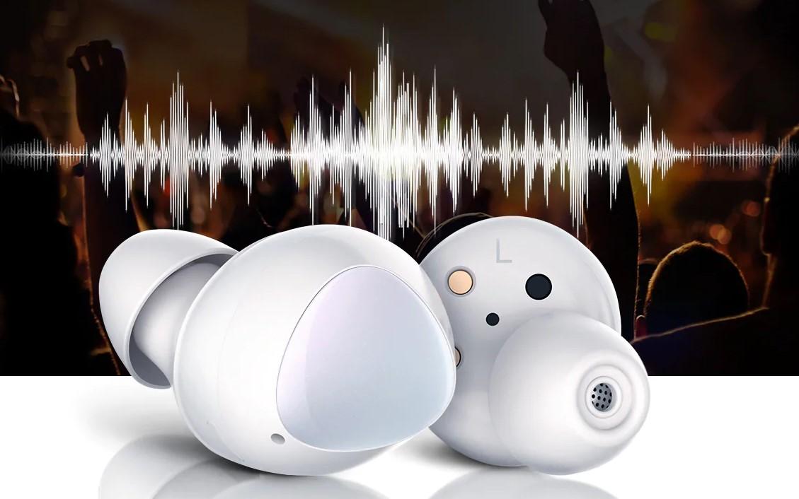 Zvuk Galaxy Buds byl laděný ve spolupráci s AKG, díky tomu se můžete těšit na nejvyšší možnou kvalitu