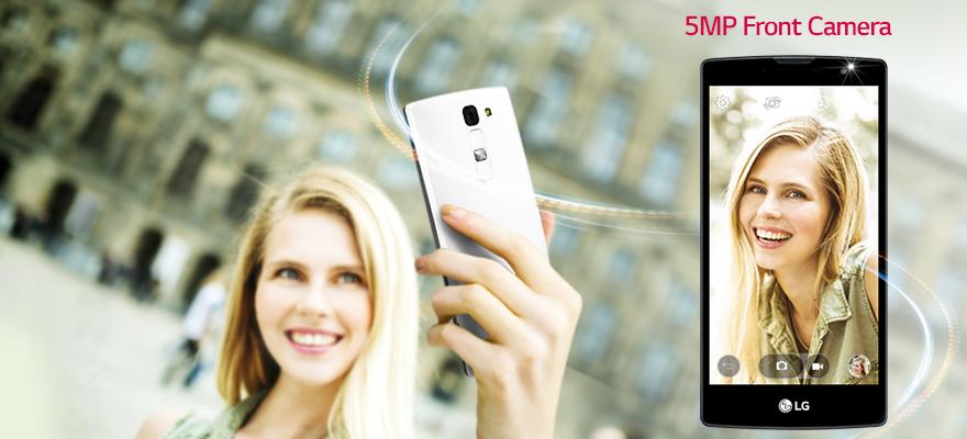Luxusní selfievaná s LG Magna. Jeho 5 MPix širokoúhlý snímač přední kamera dělá naprosto skvělé selfie.
