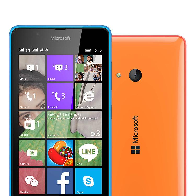 """Luxusní 5"""" displej mobilního telefonu Microsoft Lumia 540 Dual nabízí HD rozlišení. Vaše aplikace na tomto displeji dotykového mobilu vyniknou."""