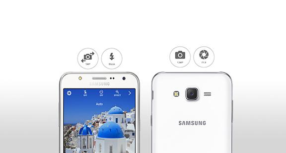 Špičková přední a zadní kamera mobilu Samsung Galaxy J500F J5 nabízí i LED přisvícení na obou stranách.