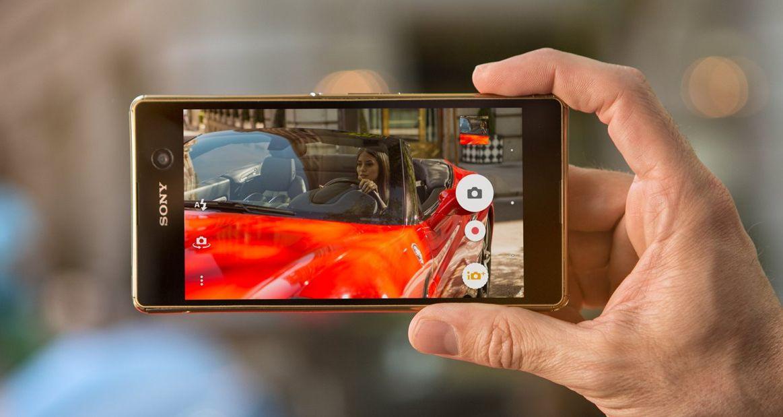Špičkové fotoaparáty nové Xperia M5 vás nenechají nikdy ve štychu.