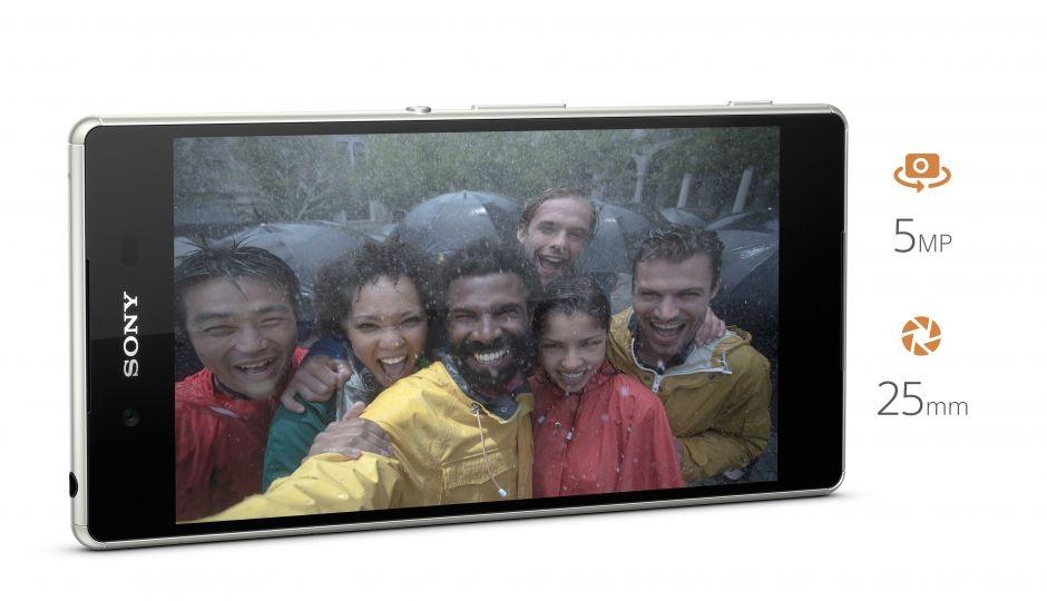 Sony Xperia Z3 Plus má cit i pro selfie ! :-) Díky špičkovému přednímu fotoaprátu s rozlišením 5 MPix a širokoúhlým záběreme budete mít vždy dokonalé selfie z mobilního telefonu.