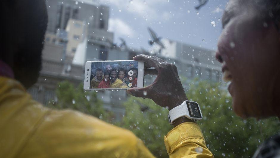 Expert na počasí a výlety. Voděodolný a prachutěsný smartphone Sony Xperia Z3 Plus vás nikdy nezklame.